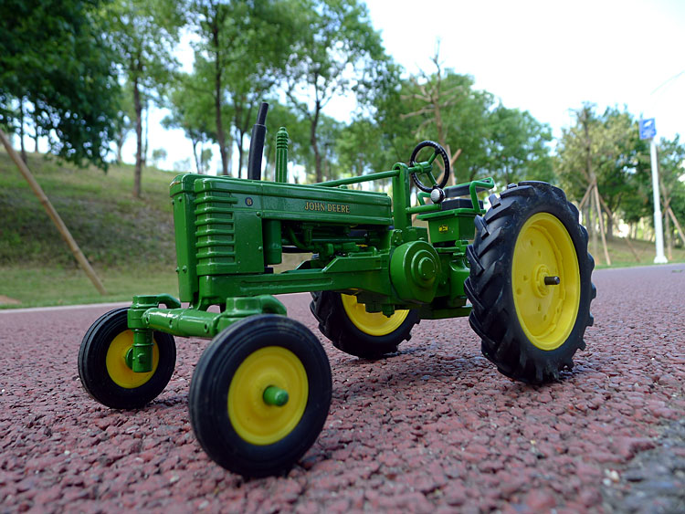 KNL HOBBY J Deere Farm tractor alloy toy car model US Security Act ERTL 1:16 Specials knl hobby j deere 720 farm tractor alloy car models us ertl 1 16 special clearance