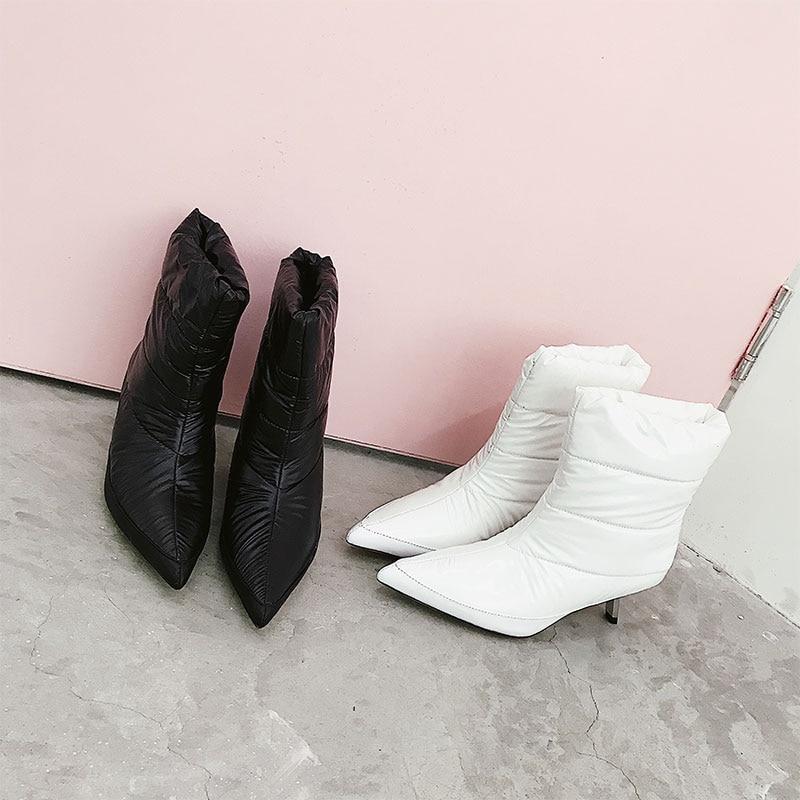 Le Show Metallo Donne Qualità Per As Caviglia Inverno Pane Gattino Bianco  2019 as Breve Show A Di Nero Stivali Punta 40 Runway Scarpe ... 5ad0242389e