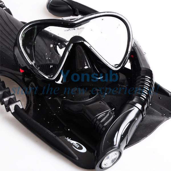 Hot Sale Diving Set,Scuba Diving Mask+Snorkels+Flippers,Professional Silicone Diving Mask,Dry Breathing Tube,Diving Fins scubapro crystal vu mask for scuba snorkelling diving water sports