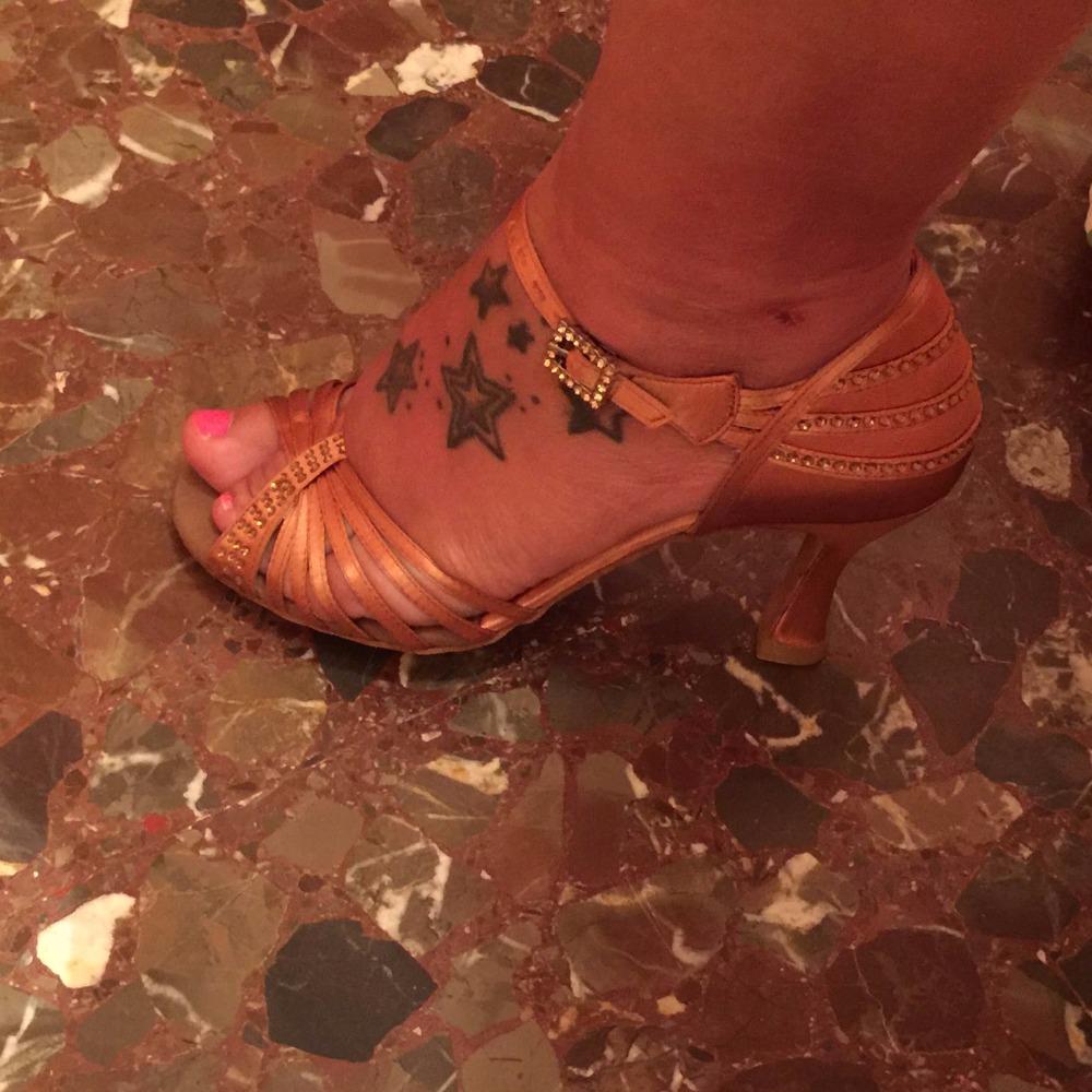 Suphini dance shoes 743