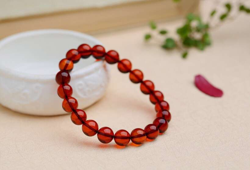 Certificate Natural Blood Red Amber Round Beads Bracelet Women Party Gift Stretch Red Amber Barrel Bracelet 9mm Jewelry