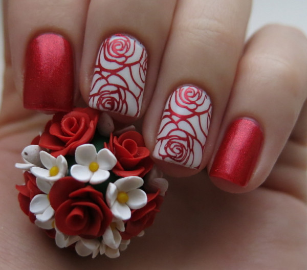 Red Nails With Golden Rose Flower Nail Art
