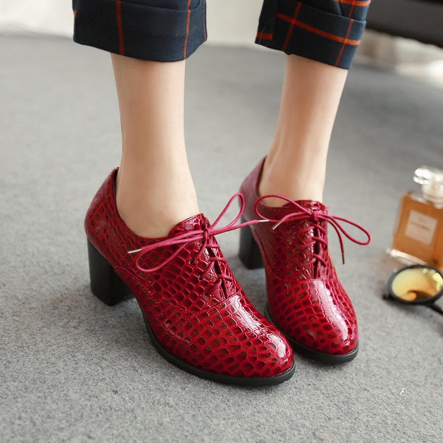 02622cdf Nueva moda 2016 Crocodile Lade con cordones tacones altos mujeres zapatos  Oxford Vintage charol mujeres bombas Ladies Casual tacones Oxfords en  Bombas de ...