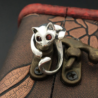 S925 pure silver ornaments Handmade retro Thai silver tail red eye cat ring female model