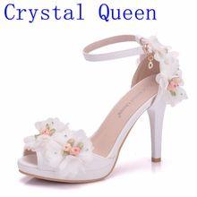 クリスタル女王女性花嫁の靴つま先ハイヒールの蝶結婚式の靴レース花リストバンド夏パーティーサンダルパンプス