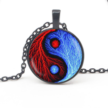 Vintage Yin Yang gossip pendant necklace jewelry glass dome witchcraft pendant fashion crystal DIY handmade ladies necklace gift glowing yin yang necklace phoenix glass dome pendant tree of life silver plated chain necklace glow in the dark yin yang jewelry