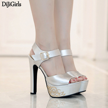 Women Buckle Strap Platform Thick High Heel Sandals Fashion Peep Toe Dress Party Summer Shoes Silver Black women faux suede buckle strap platform thick high heel sandals fashion party cover heel print knot bow women shoes black