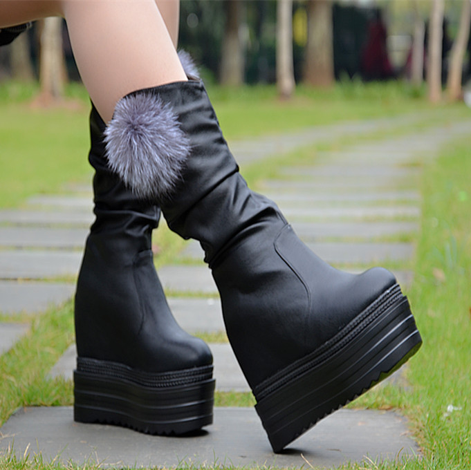 ФОТО Autumn and winter Korean version of the fur ball height increased snow boots Plus velvet bottom with high-heeled slope wedge sho