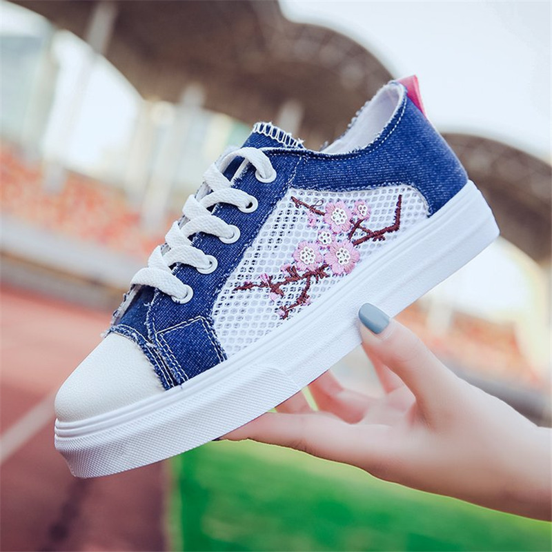 Women Canvas Shoes Student Shoes Casual Shoes Female Flower Sneakers Women Vulcanize Shoes Plum Blossom Lace Up