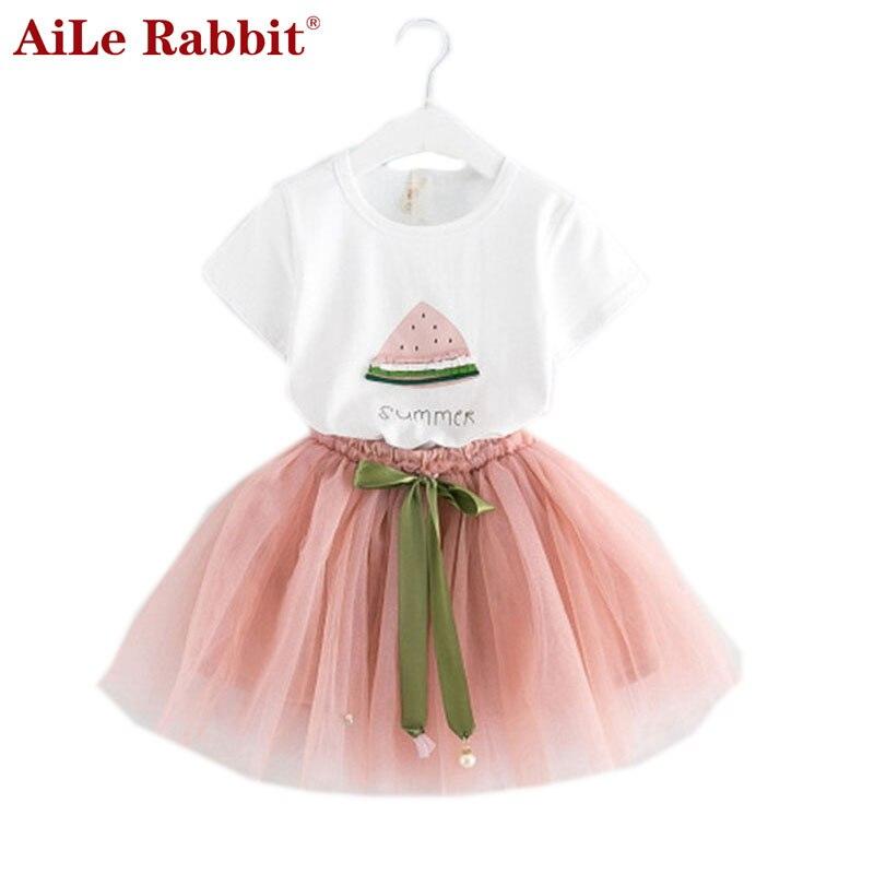 a2b0c28089ac2 أيل الأرنب الفتيات مجموعة ملابس جديد الصيف الأطفال dressesWhite تي شيرت قصير  قصيرة تنورة 2 قطع دعوى العلامة التجارية الاطفال الملابس k1
