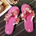 2017 любовь милые сандалии женская мода стринги тапочки квартиры перлы цветка сандалии желе случайные бисером флип-флоп дамы пляжная обувь