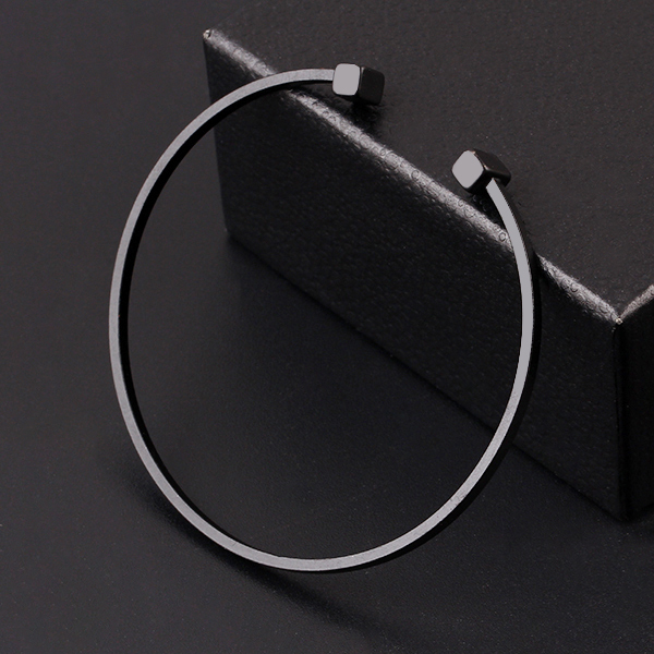 Classic Geometric Adjustable Bracelet