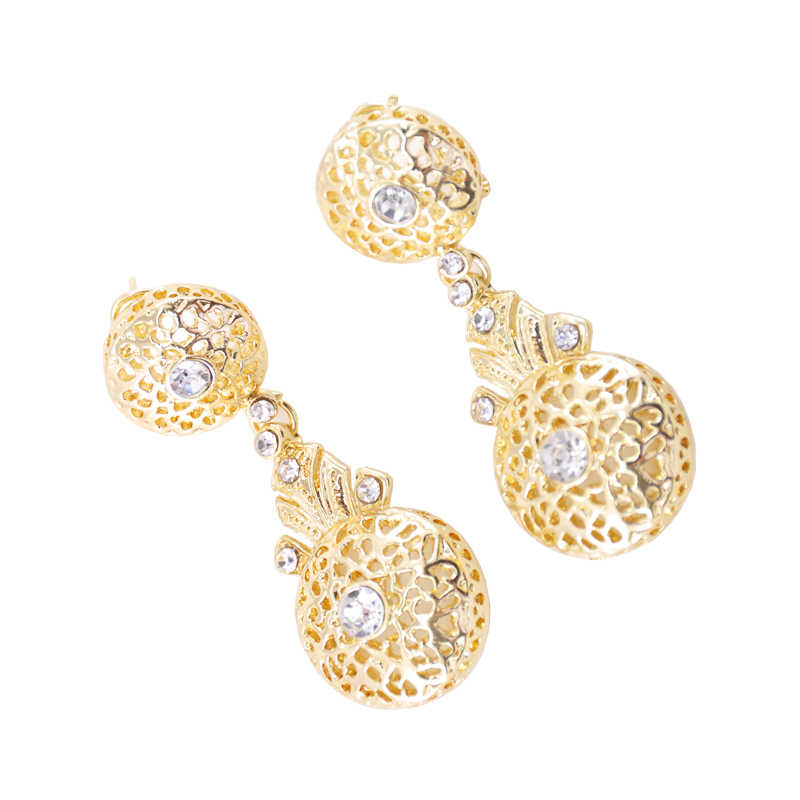 The latest fashion in Moroccan style elegant crystal round earrings stylish hollow-out rhinestone earrings