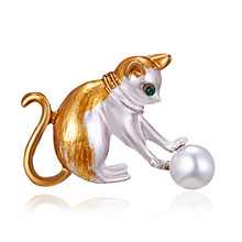 Rinhoo Yellow Black Cat Brooches Women Men Metal Simulated Pearl Ball Cat Animal Party Banquet Weddings Brooch(China)