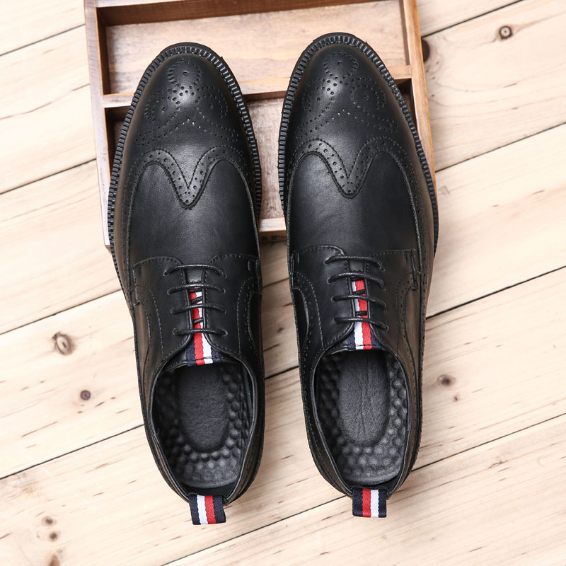 Big Size Men Brogue Shoes Hot Genuine Leather Men Wedding Shoes Fashion Vintage Bullock Carved Black Men Casual Shoes Size 37-46 bullock luxury carved patent leather men shoe business brogue genuine leather casual shoes men flats oxford shoes big size 38 48