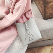 2017 Fashion Women Bucket Bag Vintage Tassel Messenger Bag Cheap Shoulder Bag Simple Crossbody Bag Free Shipping