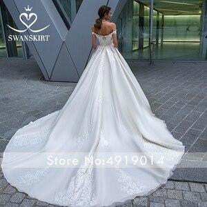 Image 2 - Vintage con cuentas de encaje apliques para vestido de novia sin hombros A Line vestido de novia princesa Court Train Swanskirt F125 vestido de novia