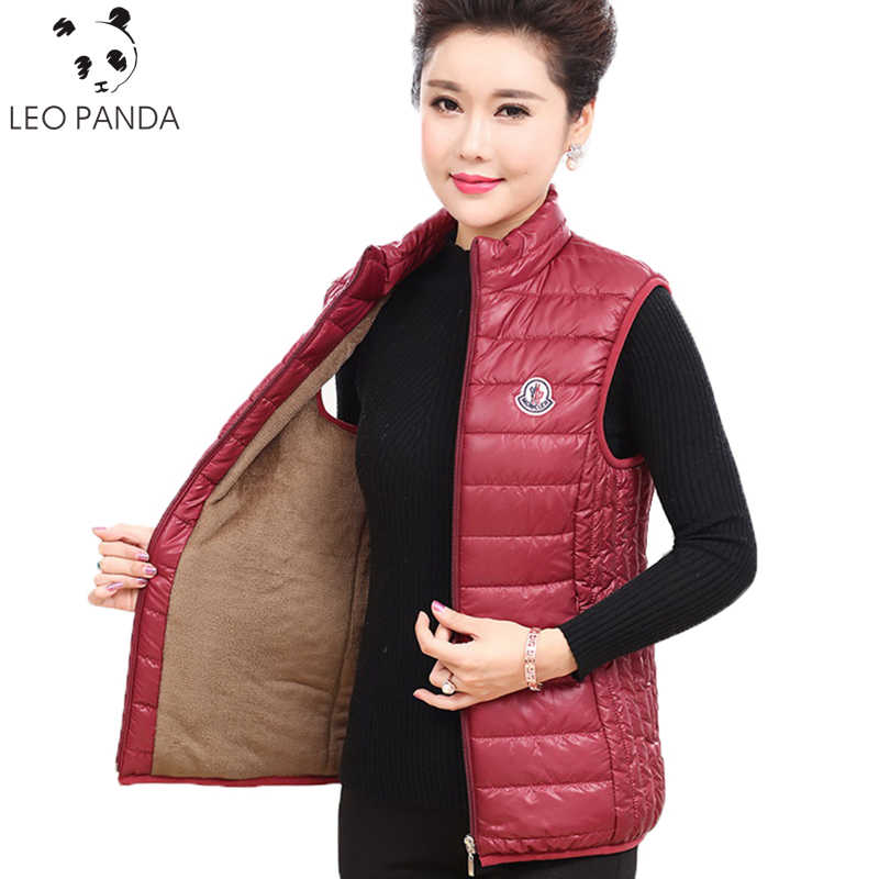 Winter Superior Quality New Fashion Woman Zipper Large size Thicken Warm Mandarin collar Pockets Vest Loose Female Vest C 568