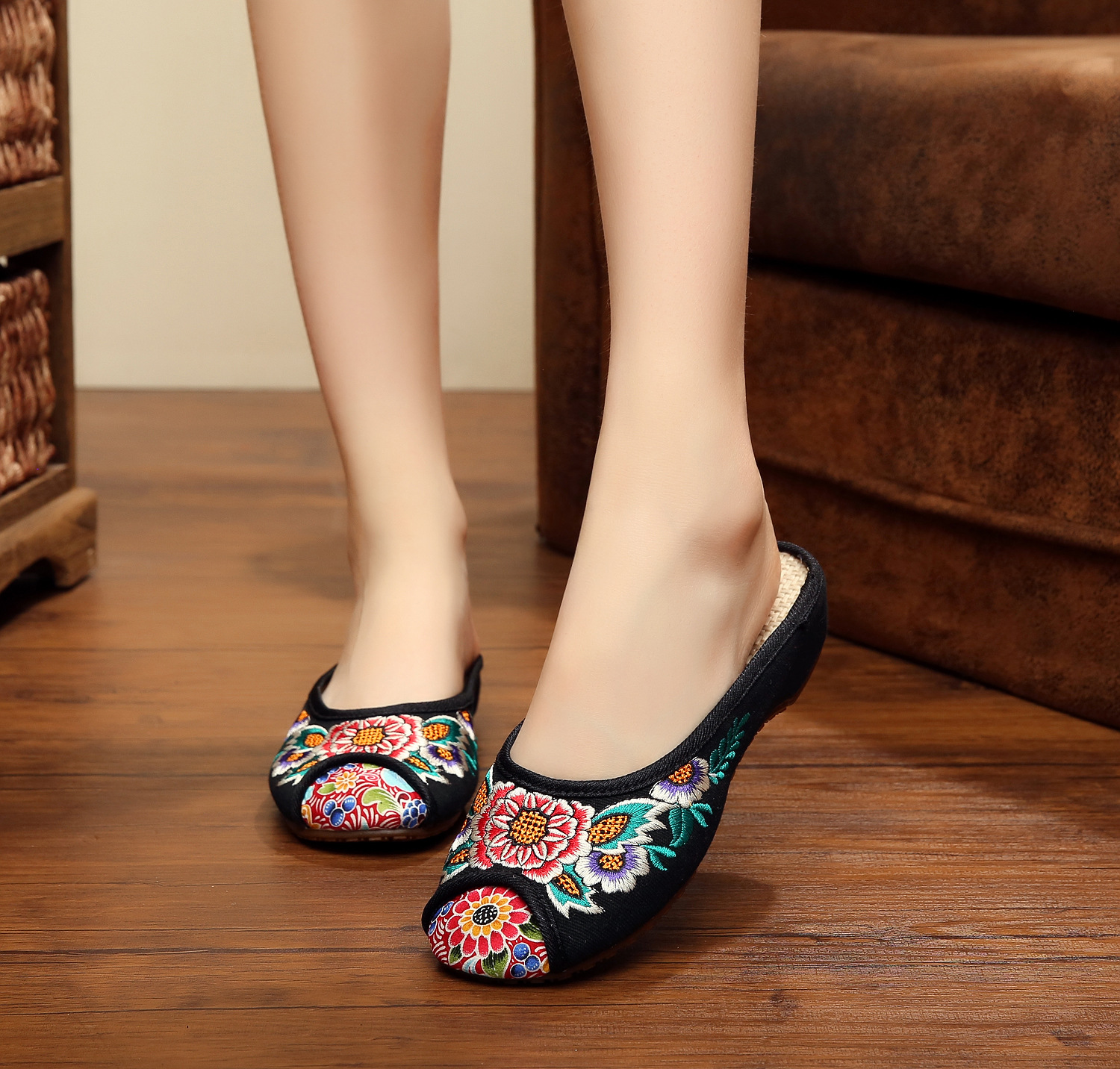 Floral Embroidered Elegant Flat Heeled Women Summer Slippers Vintage Ethnic Style Casual Flats Round Toe Shoes SMYXHX-D0195 free shipping wholesale price 30m a lot high quality l amy green matte vinyl car wrap film car sticker with bubble free bw 9013