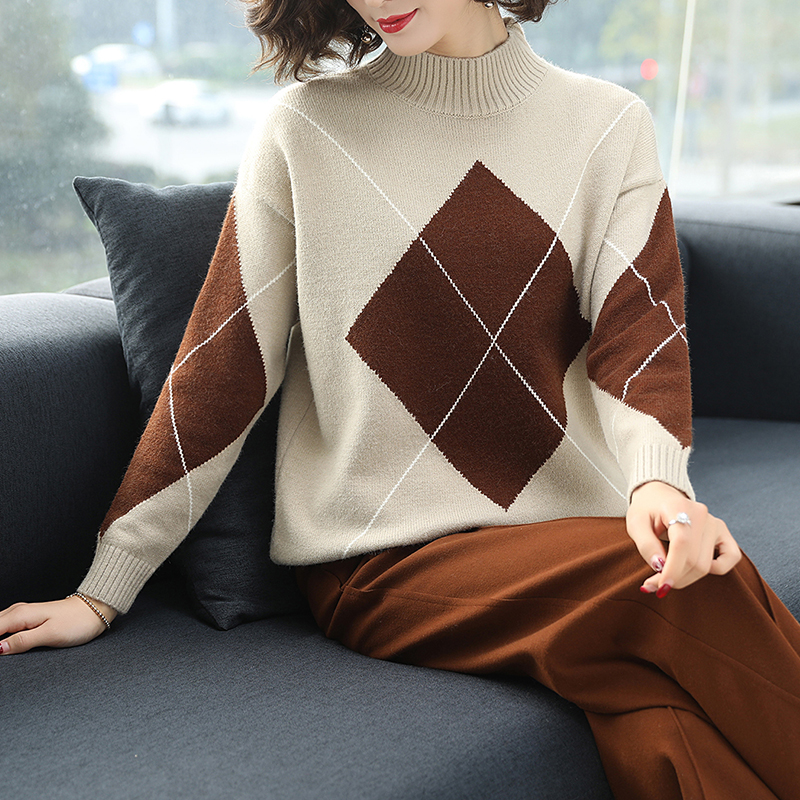 3 Colors Brand Sweater Fall Winter Women Sweater New Hit Color Diamond Pattern knit Sweater Loose Short Sweater Pullover Women