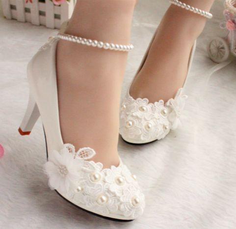 Zapatos de la boda para las mujeres nuevo diseño cordón de marfil bajo alta tacones flores perlas tobillera mujer zapato nupcial vestido de partido proms bombas