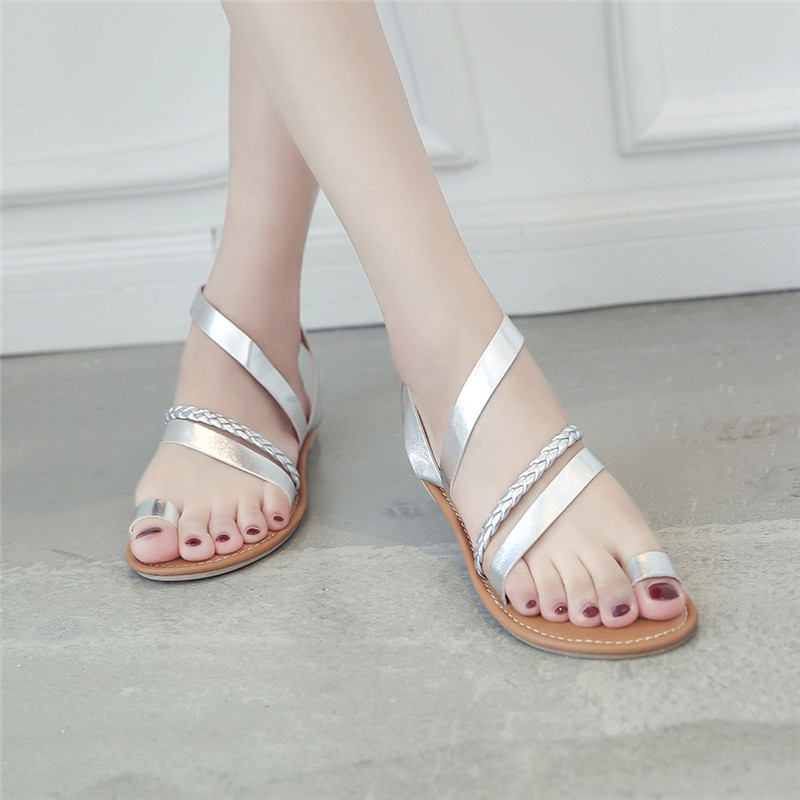 0779180bf775f 2018 SAGACE Women Summer Strappy Gladiator Low Flat Heel Flip Flops Beach  Shoes Woman Sandals Women Shoes Rhinestones  1-in Low Heels from Shoes on  ...