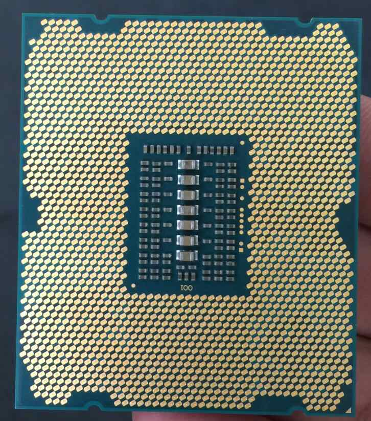 Intel Xeon Processor E5-2650 V2  E5 2650 V2  CPU 2.6 LGA 2011 SR1A8 Octa Core Desktop processor e5 2650V2 100% normal work