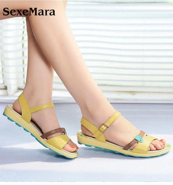 SexeMara 2017 White Aged Leather sandals Women Beach flat Shoes Roman shoes Summer Comfortable The Female Sandals