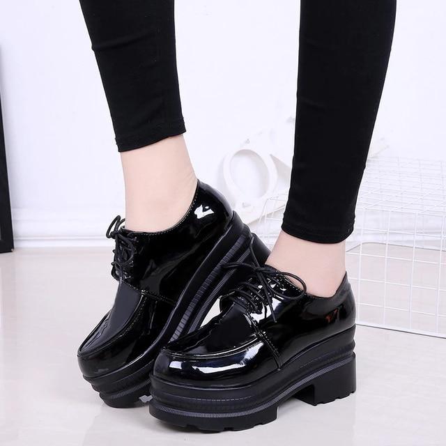LUCYEVER zapatos de tacón alto para mujer con plataforma cuña, calzado informal de punta redonda con cordones, de piel sintética, color negro