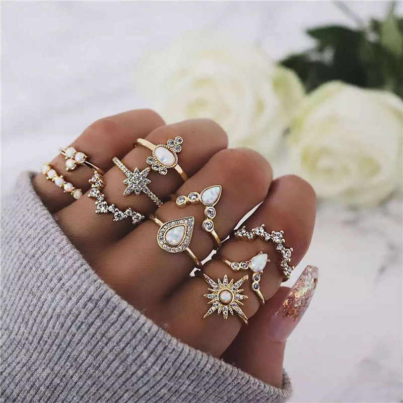 10 Pcs/set Vintage Women Crown Sun Ring Sets Crystals Knuckle Stacking Multi Rings Boho Mid Rings for Women and Girls Jewelry