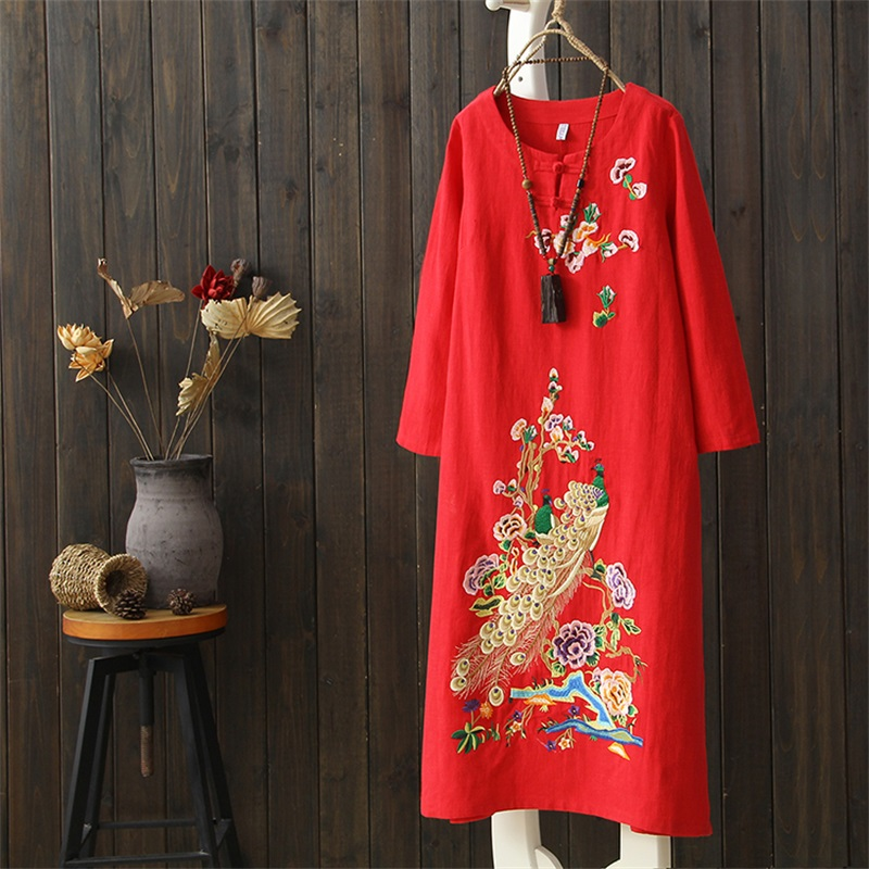 2018 spring and autumn new woman embroidery cotton and linen dress robe dress peacock embroidery Chinese style dress cheongsam