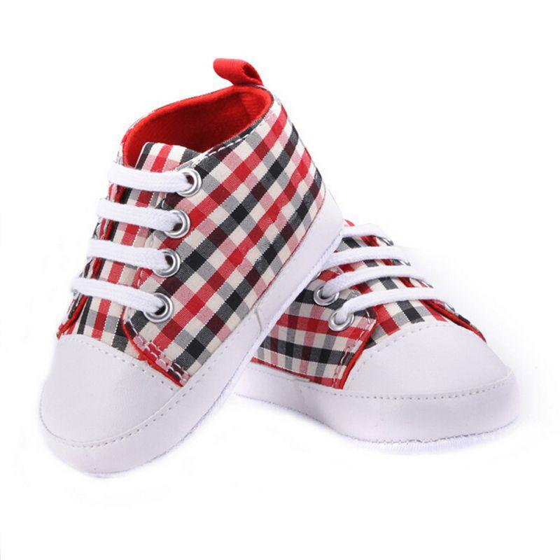 bd789ccf7b20a 0 18 M Nourrissons Bébé Garçon Fille Souple Sole Lit Chaussures Casual  Dentelle Prewalkers Sneaker dans Premiers Marcheurs de Mère et Enfants sur  ...