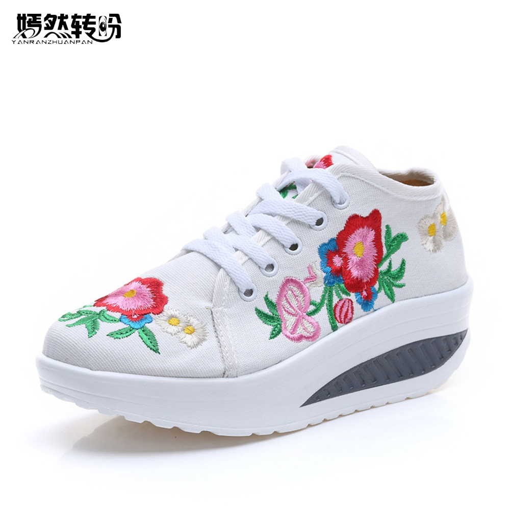 2017 Spring Autumn New Chinese Old BeiJing Embroidery Shoes Tourism Embroidered Floral Single Walking Dance  Ballet Shoes women flats summer new old beijing embroidery shoes chinese national embroidered canvas soft women s singles dance ballet shoes