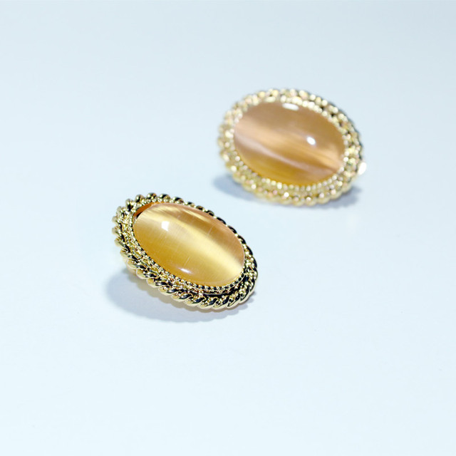 Alloy Ear Clips Female Fashion Gold Opal Jewelry Clip Earrings Luxury Quality Gift Without Piercing Earrings