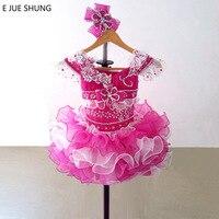 E Jue Шунг Fuschia и Белый органзы Мини Кекс цветок платья для девочек пышные платья для девочек Младенческая малышей Платья для женщин