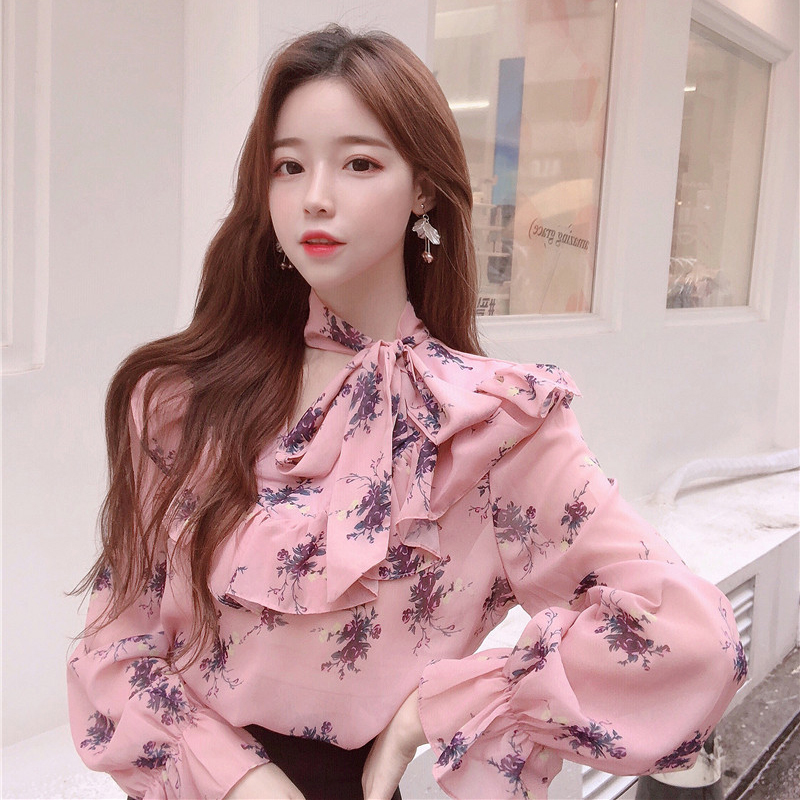 BGTEEVER Lace Up V-neck Ruffles Women   Blouses     Shirt   Casual Chiffon Printed Flowers Puff-sleeve Autumn Tops Blusas femme 2018