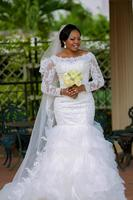 Elegant Plus Size Bride Dresses Long Sleeves Lace Appliques Sweep Train Mermaid Wedding Dress vestidos de noiva