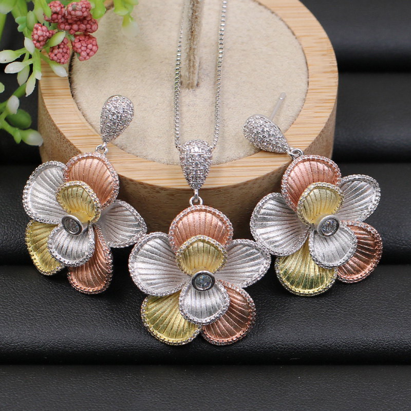 Lanyika Jewelry Set Arabic Distinctive Flowers Necklace with Earrings for Engagement Banquet Wedding Popular Luxury Best
