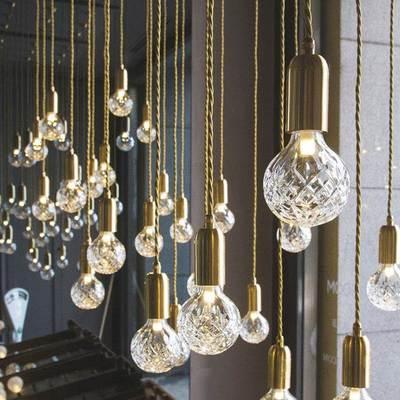 Designer Post Modern Glass Ball Globe LED Pendant Light Lamp Dimmable Gold Iron Rod Pipe Simple Line Pendant Lamp Light LED