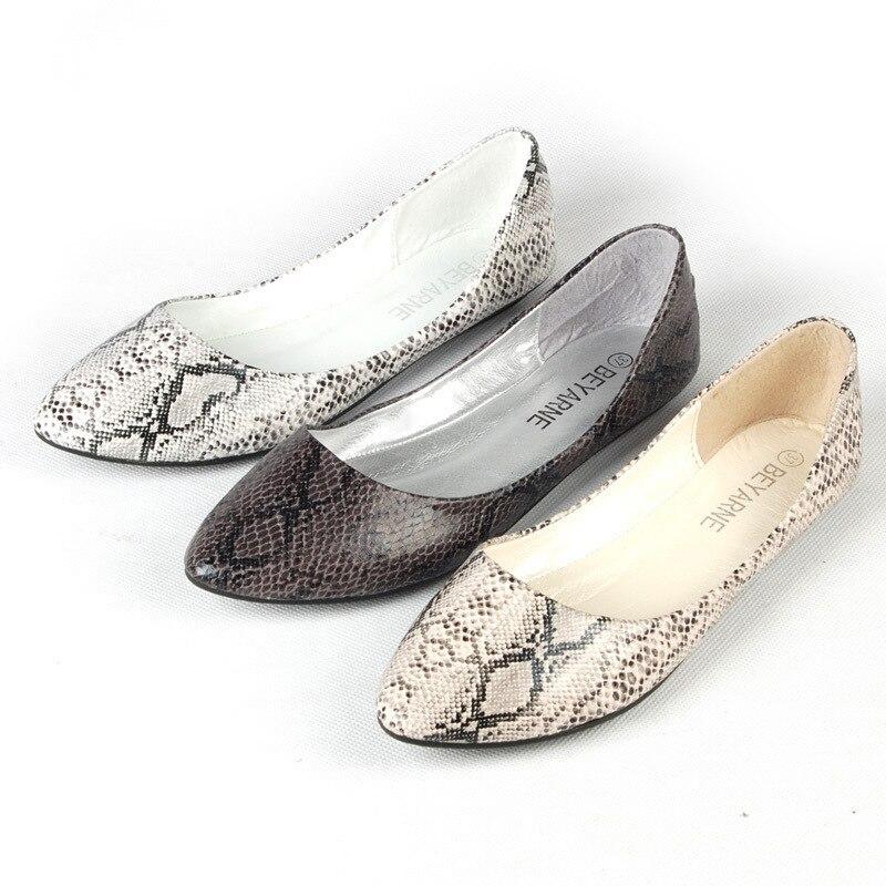 2017 сезон весна-лето Новый Python узор на мягкой плоской мягкой подошве туфли на плоской подошве женская обувь Большие размеры