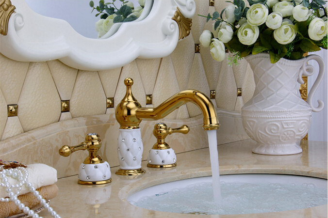 Gold And White Finished Luxury Widespread Bathroom Sink Faucet Basin Faucet/ Tap Mixer/ Sink Faucet цена