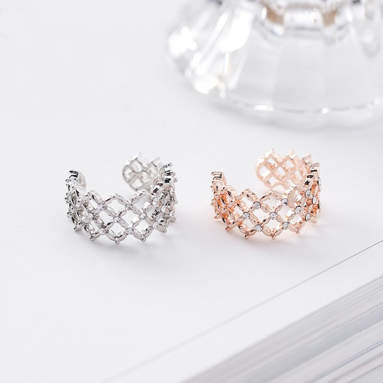 2020 Sale Fashionable And Simple Fine  Jewelry Female Crystal From Austrian Wild Atmosphere Grid Ring 2 Colors Fit Women
