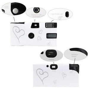 Image 2 - بسعر الجملة 5 مجموعات للاستخدام مرة واحدة كاميرا زفاف يمكن التخلص منها 36 صورة فضية قلب مضحك مع فلاش وبطاقة طاولة
