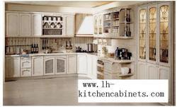 Сельские твердые деревянные горизонтальные кухонные шкафы (LH-SW046)
