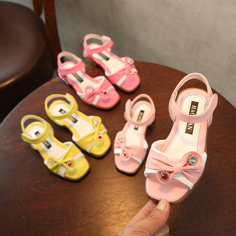 2018 New Summer Childrens Fashion Comfortable Sandals Shoes Gilr Bow Princess Lovely Shoes Student Casual Sandals