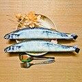 1 unids Simulación Creativa Saury Juguete. Use para caja de lápices caja de lápiz divertido de los cabritos de juguete de Simulación de pescado