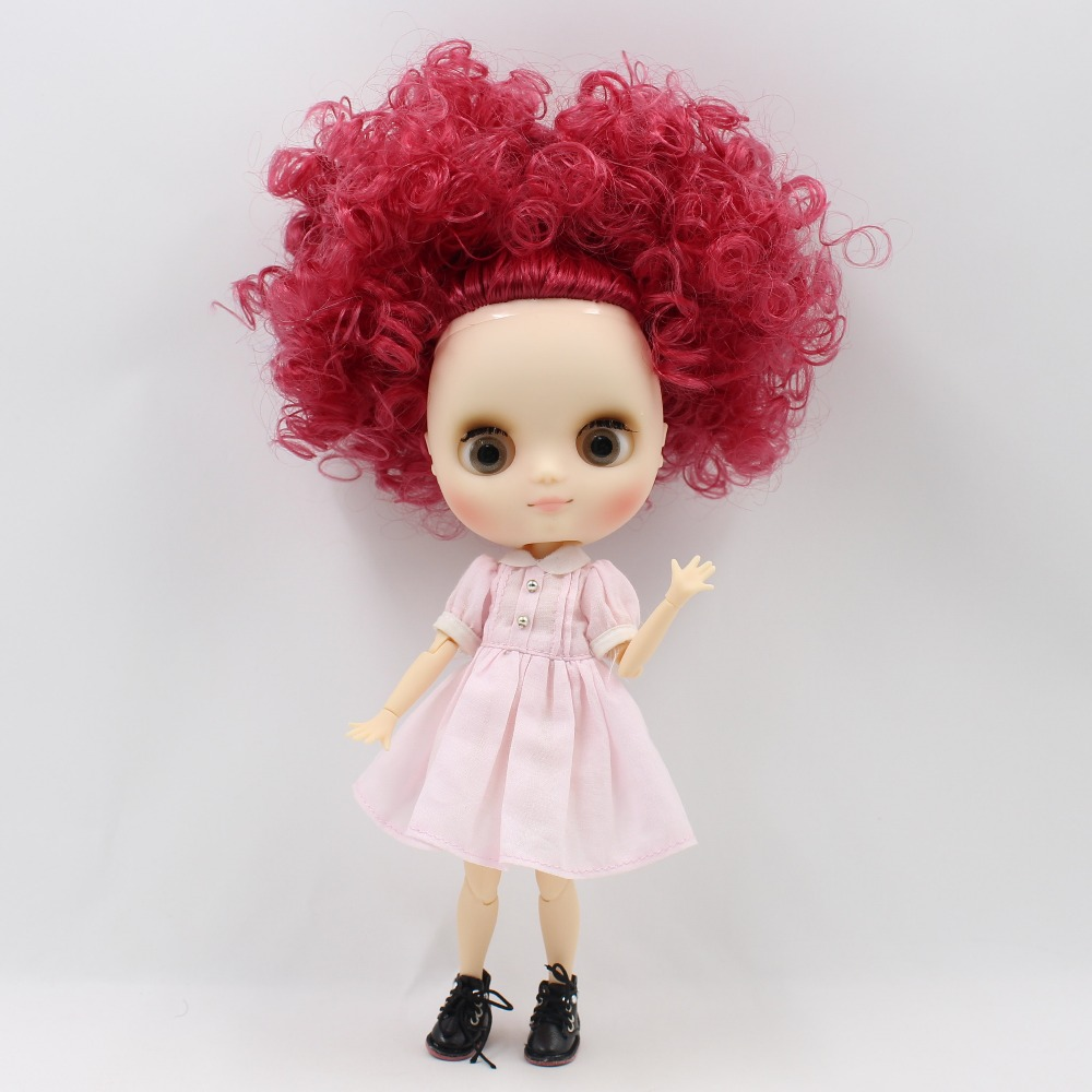 Middie Blythe Doll with Maroon Hair, Tilting-Head & Jointed Body 1