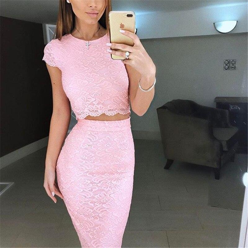 Розовый костюм женский с юбкой