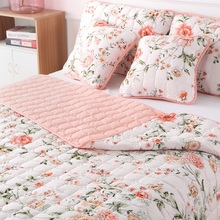 Bed set 5pcs  Bed Cover Sheets 2 pieces Pillowcases and 2 pieces Cushion cover 1 pieces Quilt 220x240cm Pink Flower Quilted