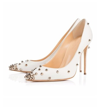 2018 Fahsion Woman Dress Stock Pumps Shoes Pointed Toe Gold Rivets Studded White Pumps 12 CM or 10 CM High Heels Ladies Shoe